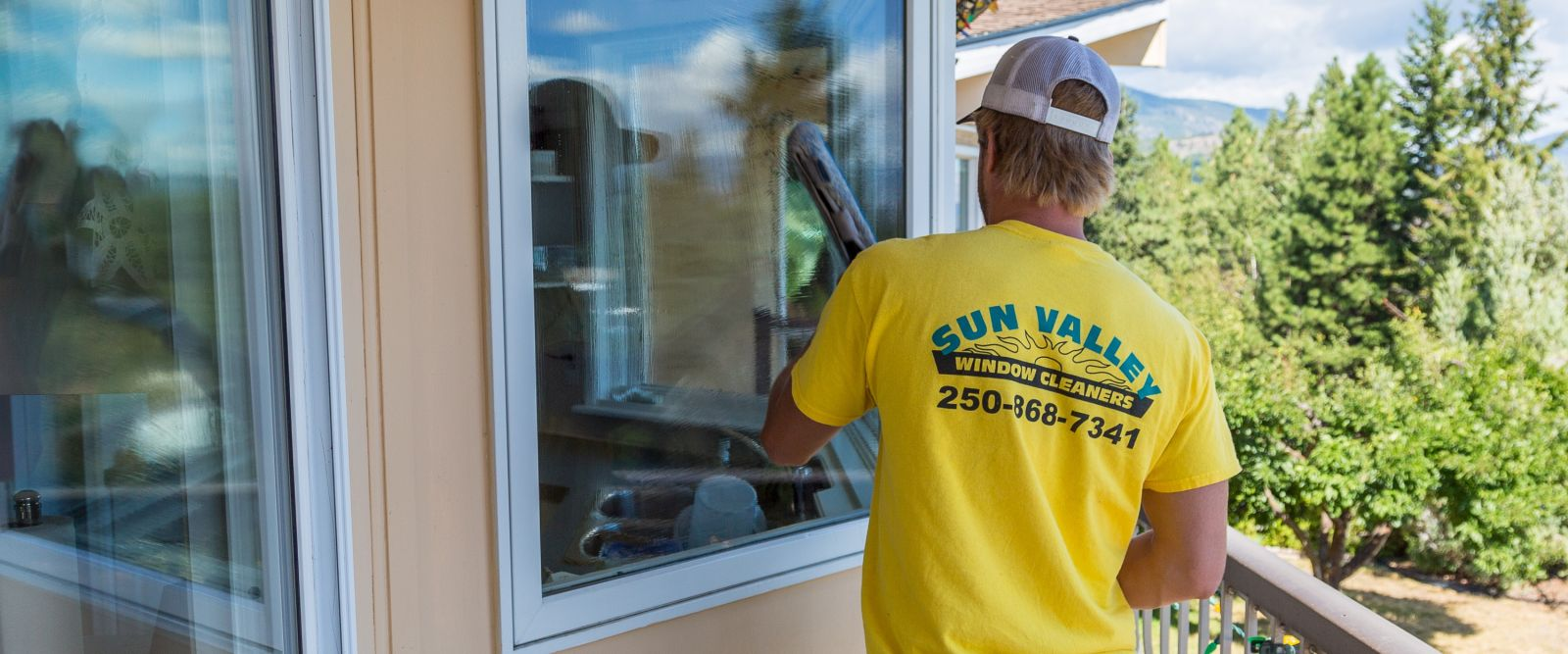 Window Cleaning In Happy Valley Or